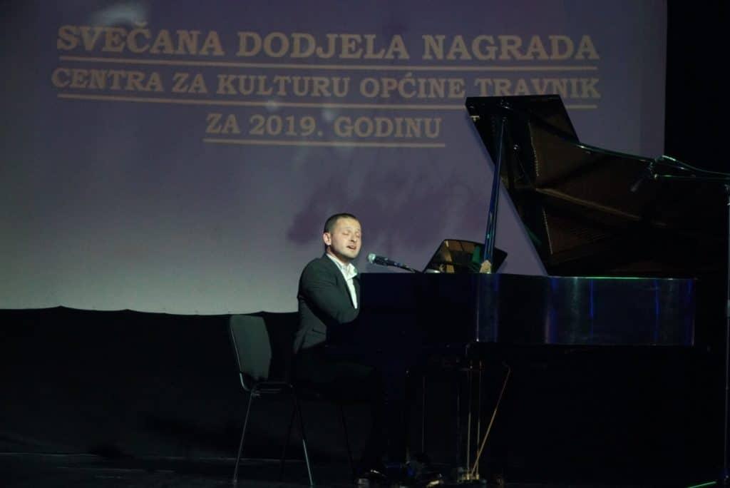 """(FOTO) TRAVNIK / """"Svečana dodjela nagrada Centra za kulturu"""" za 2019. godinu"""
