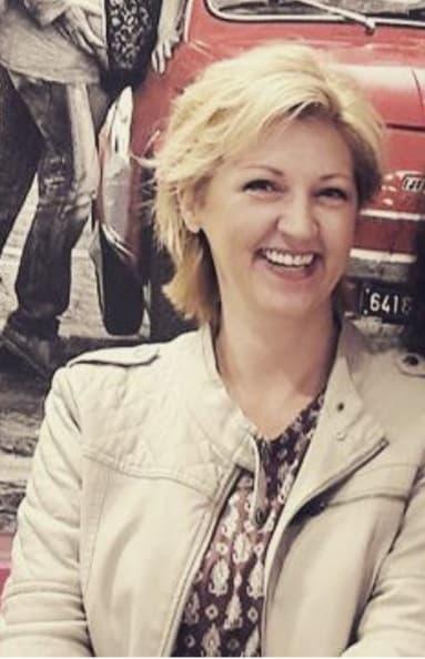 Sanja Babić Đulvat - profesorica, pjesnikinja i romanospisateljica