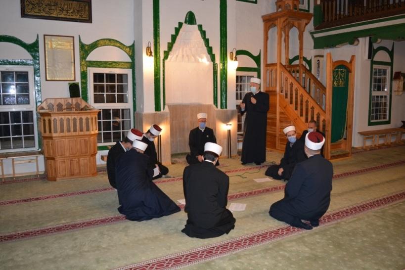 (FOTO) Tradicionalni mevludski program u Hadži Ali-begovoj džamiji