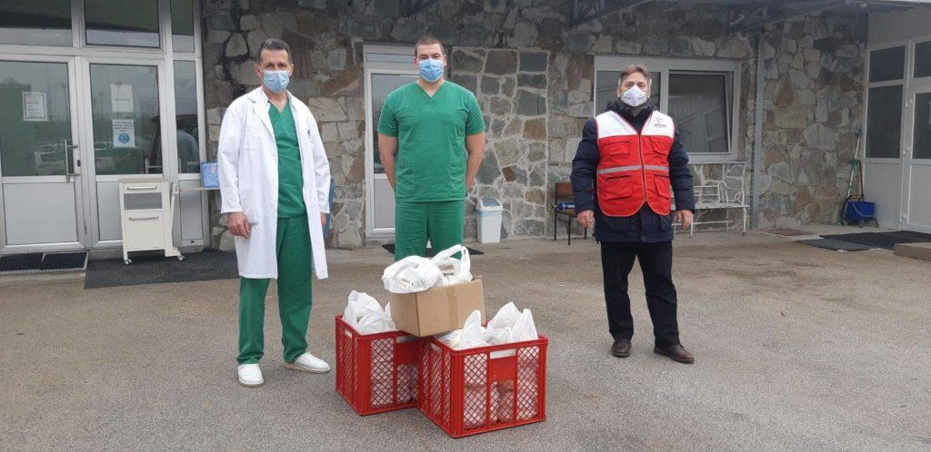 Merhamet Travnik/ Danas posjeta medicinskim radnicima u Novoj Biloj i Jajcu