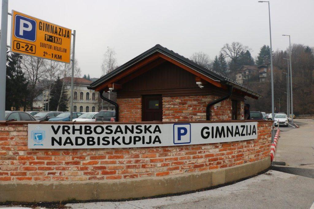 Kod Gimnazije/ Sutra započinje s radom najveći parking u Travniku