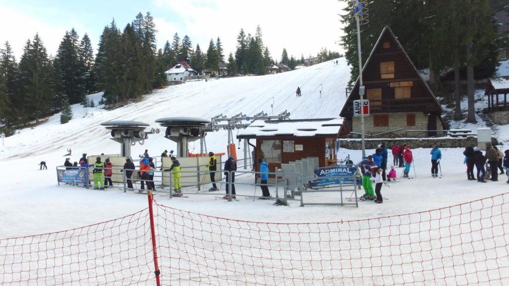 Pogledajte slike Vlašića danas: Brojni turisti uživaju u snijegu