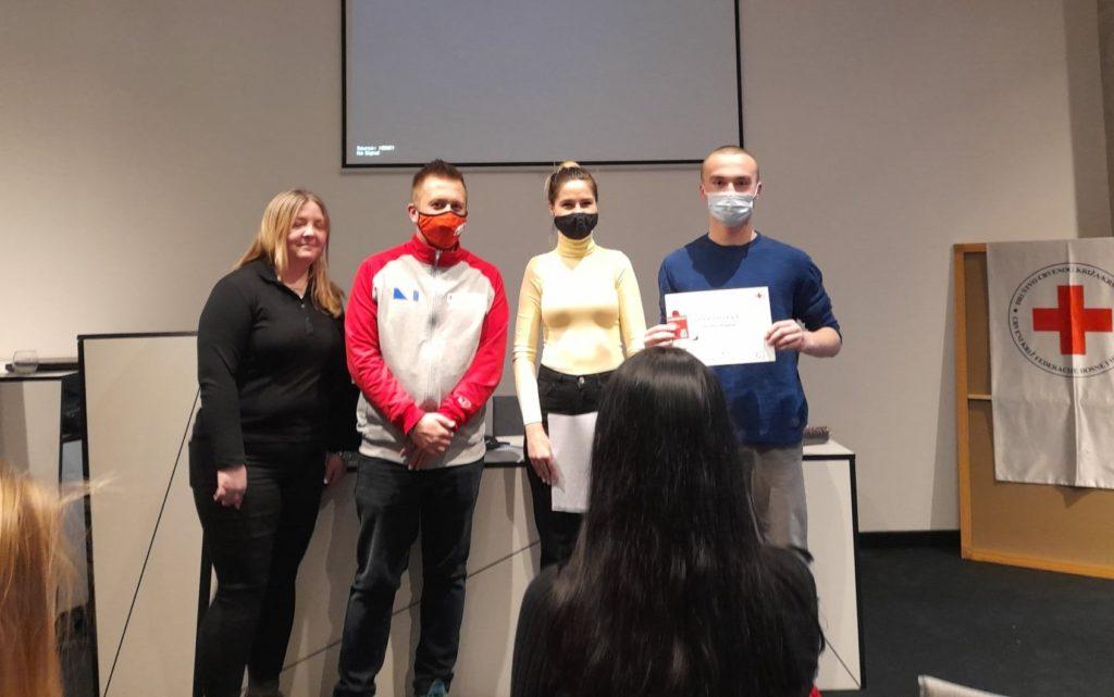 Crveni križ općine Travnik/ Bogatiji za tri certificirana volontera prve pomoći