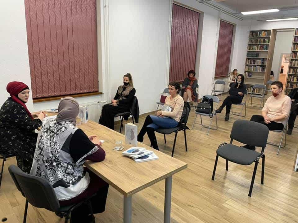 U Gradskoj biblioteci promovirana knjiga Enise Aganović