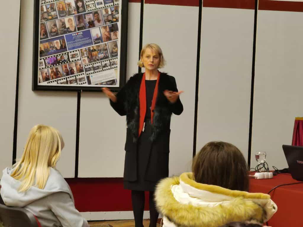 """(FOTO) HDZ OO Travnik Kraljica Katarina Kosača / Održano predavanje """"Izazovna godina"""""""