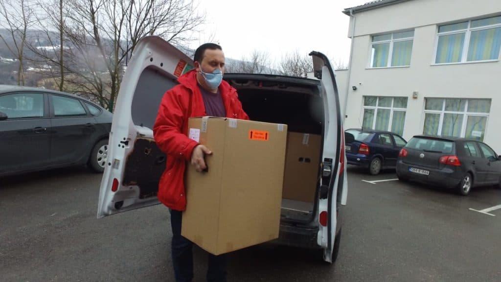 (FOTO) Bolnicama u Travniku ustupljeno na korištenje pet koncentratora kisika