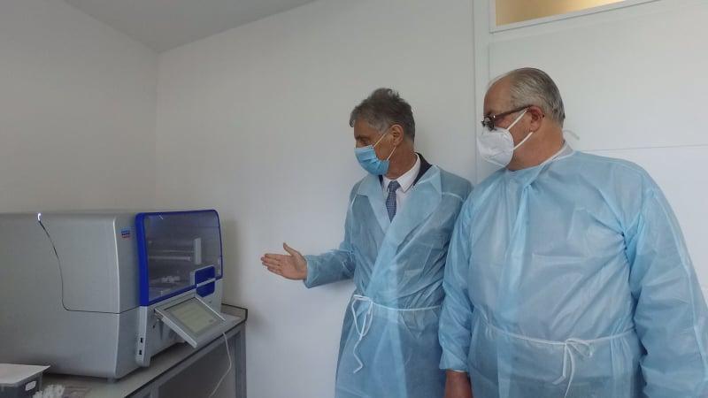 (FOTO) Donacija za Travnik / Iz Leipziga stigao aparat za testiranje