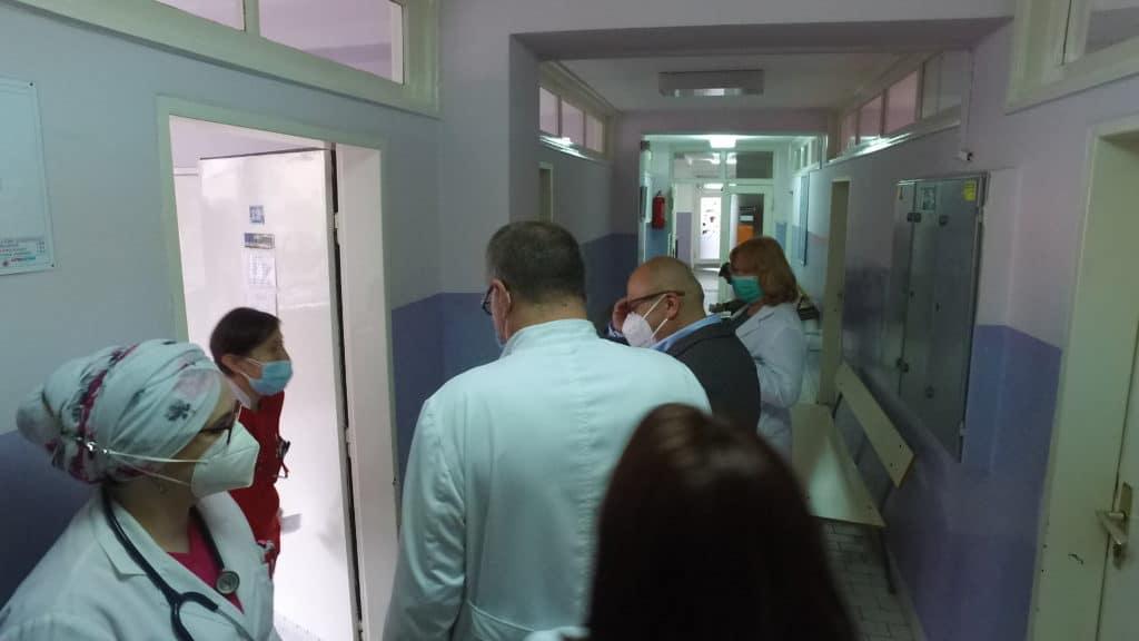 """Kenan Dautović posjetio Dom zdravlja Travnik - """"Ne smijemo zaboraviti značaj ovih ljudi"""""""