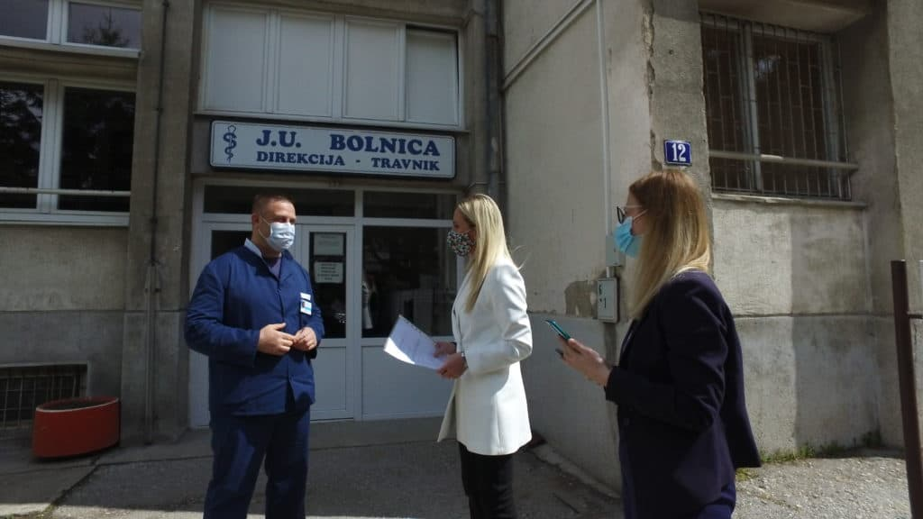 """Alma Ras"" donirala respirator za JU Bolnica Travnik"
