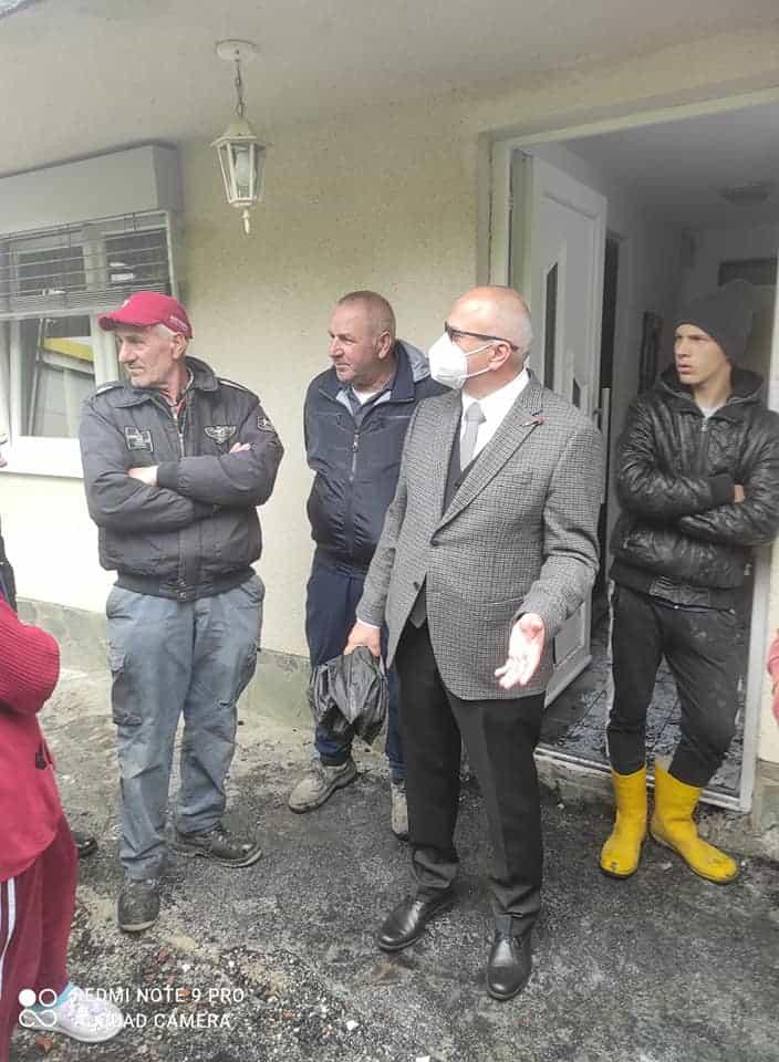 (FOTO) Izgorio sprat kuće porodice iz Radojčića, Dautović obećao pomoć