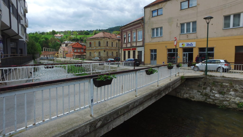 Sadnja cvijeća i uređenje javnih površina u Travniku