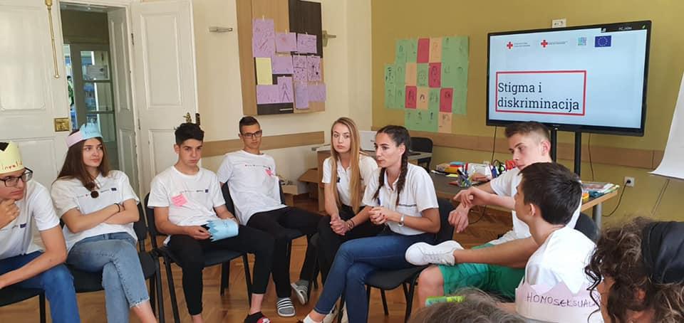 (FOTO) Mladi iz Travnika na kampu u Sremskim Karlovcima