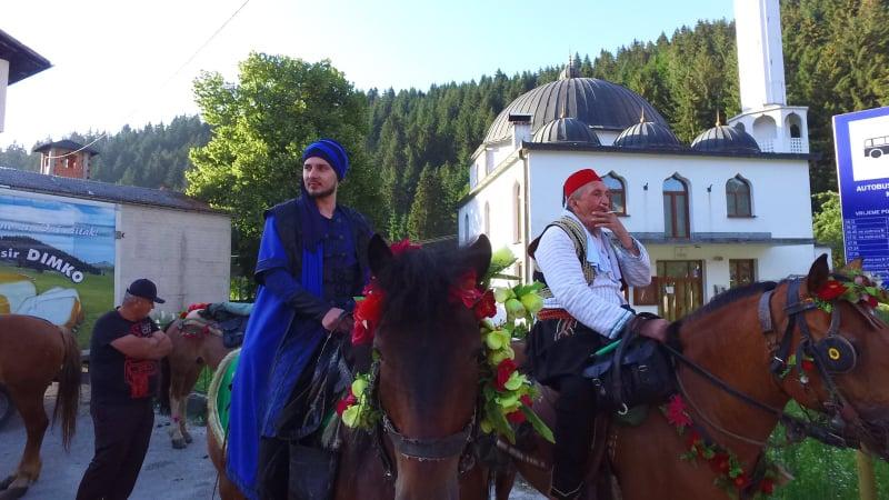 """Manifestacija 511. """"Dani Ajvatovice"""": Konjanici iz Karaule krenuli ka Ajvatovici"""