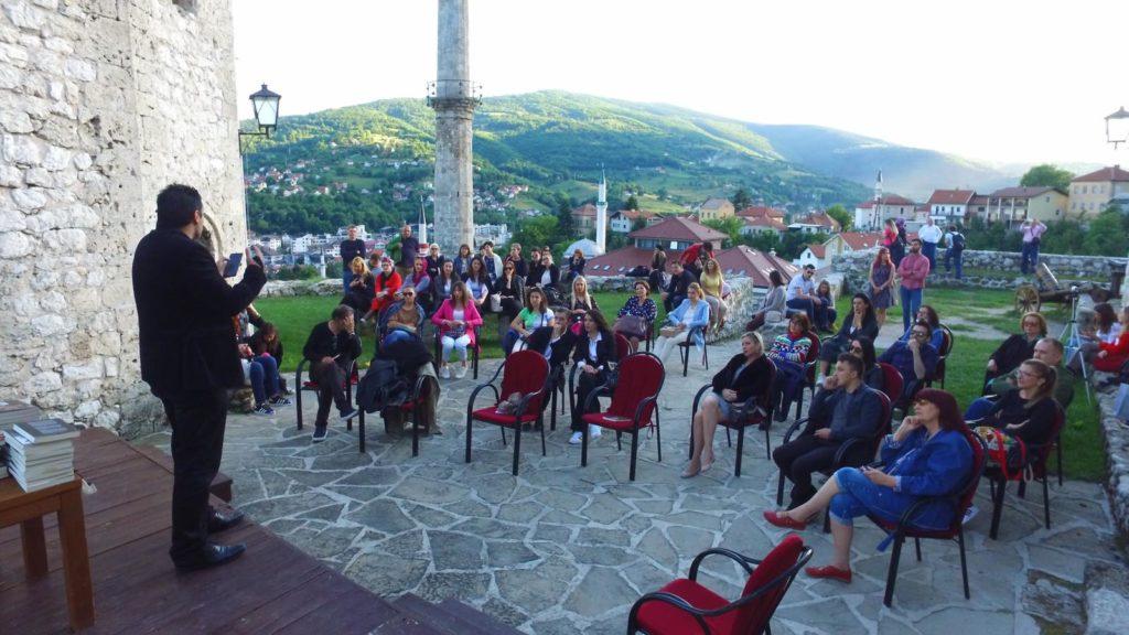 Teatar iskrenosti u Travniku / Večer sa Stefanom Simićem (FOTO)