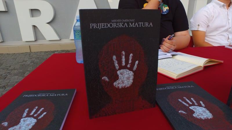 """Travničke večeri/ Održana promocija zbirke pjesama """"Prijedorska matura"""""""