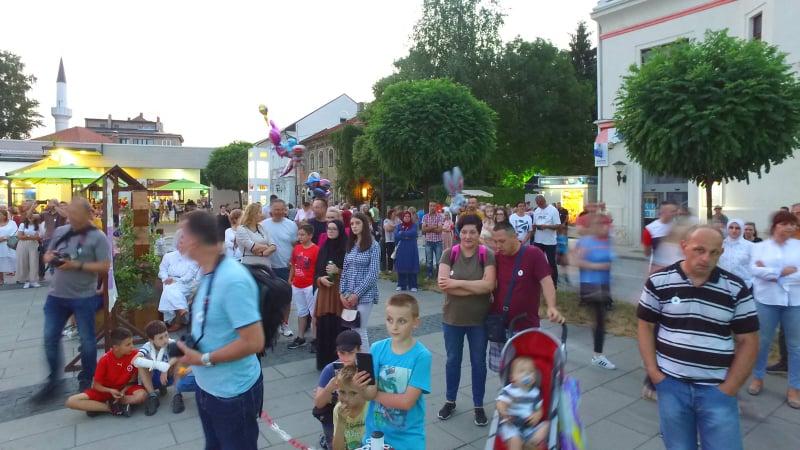 """""""Srebrenički inferno"""" u Travniku u izvedbi Omladinskog hora iz Zenice"""