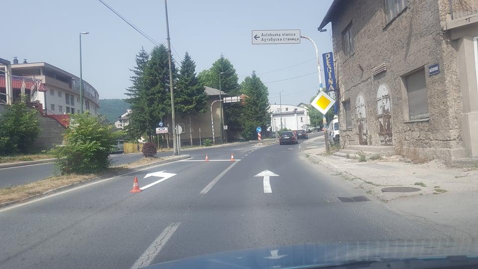 (FOTO) Radovi na održavanju cesta u Travniku uveliko traju