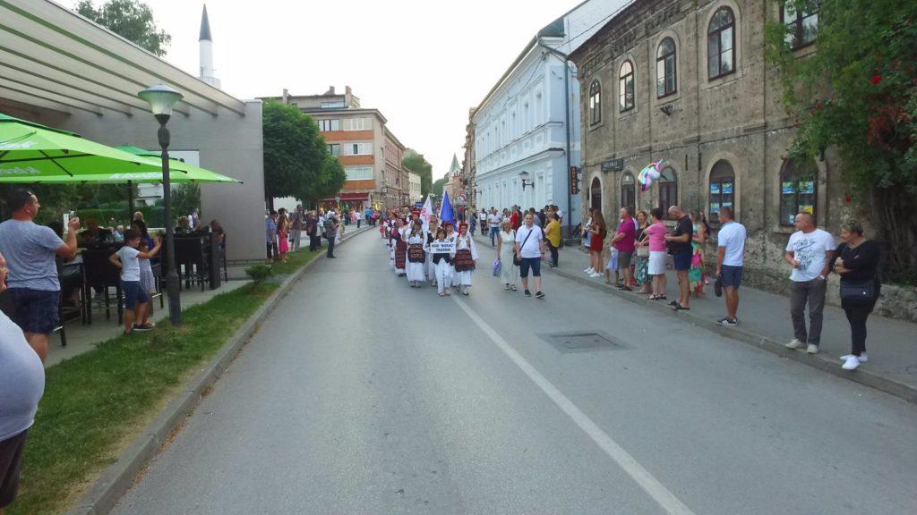 travničani uživali u folkoloru (foto)