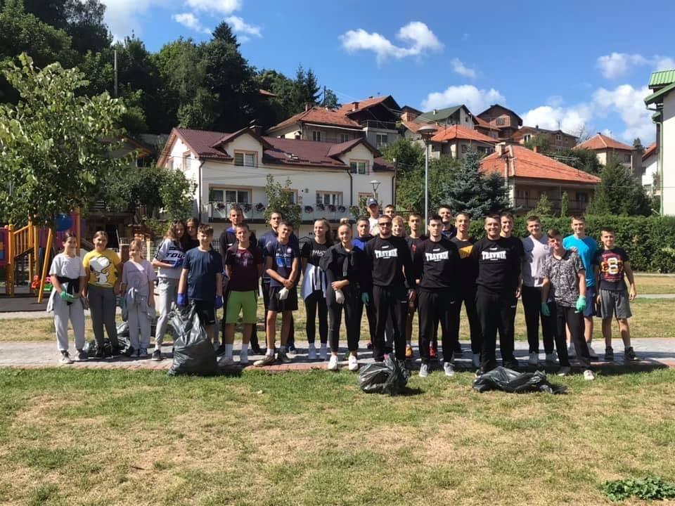 (FOTO) Akciji čišćenja pridružili se i članovi Košarkaškog kluba Travnik