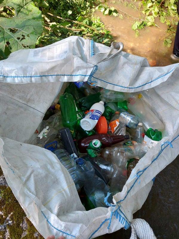(FOTO) Sedmica društvene odgovornosti / Akcija čišćenja nastavljena i u Karauli