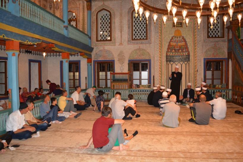 (FOTO) Tradicionalnim mevludom u Šarenoj džamiji obilježen početak Nove 1443. h.g.