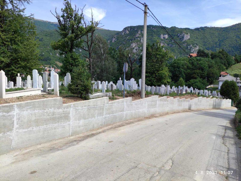Završeni radovi na izgradnji potpornog zida mezarja Ilovača