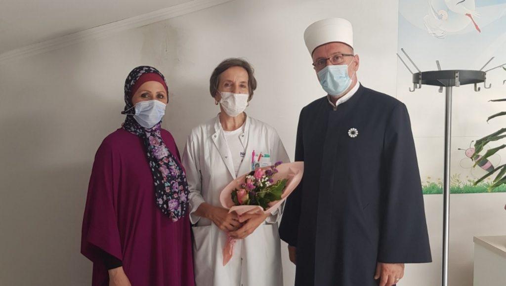 (FOTO) Nova hidžretska godina / Muftija travnički darovao prvorođene bebe u Bolnici Travnik