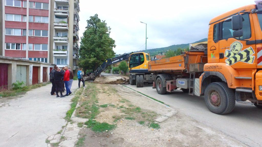 Nastavak asfaltiranja u ulici Derviša ef. Korkuta (FOTO/VIDEO)