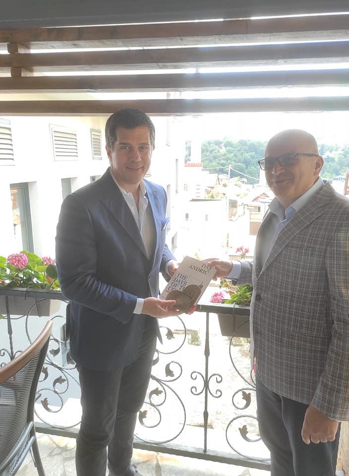 Ambasador Nelson i Dautović o otvaranju Američkog kutka u Travniku i azilu za pse