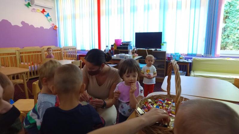 """(FOTO/VIDEO) Kenan Dautović posjetio Obdanište """"Travnik"""""""
