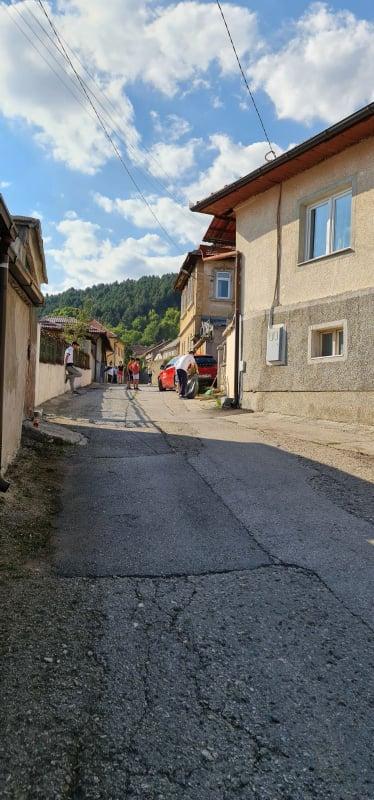 (FOTO) Akcija čišćenja realizovana i u Mjesnoj zajednici Stari grad