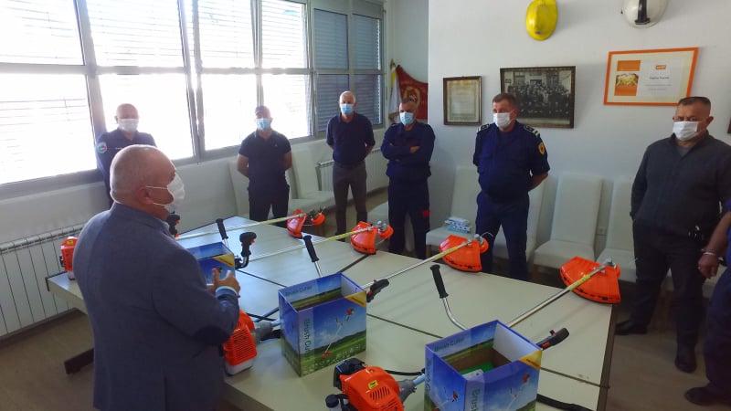 (FOTO) Vatrogasnimdruštvima Nova Bila, Turbe i Vitovlje i TVJ Travnik uručeni trimeri