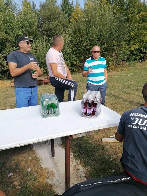 (FOTO) Sedmica društvene odgovornosti u MZ Bila / Dautović obilazi učesnike akcije čišćenja