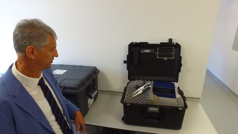 (FOTO) Zavod za javno zdravstvo SBK dobio mobilni PCR aparat
