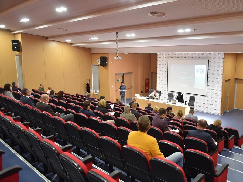 """U Zenici i Travniku održani Okrugli stolovi """"Pravilno postupanje sa posebnim kategorijama otpada – izazov današnjice"""""""